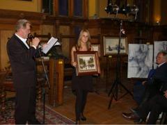 Krzysztof Stasierowski prowadzi aukcję obrazów