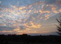 Niebo nad Sobączem o zmierzchu - proszę kliknąć, by zobaczyć więcej zdjęć